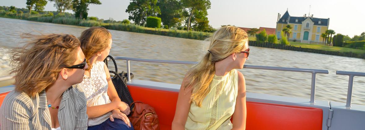 idée cadeau balade en bateau vers les vignobles de Bordeaux