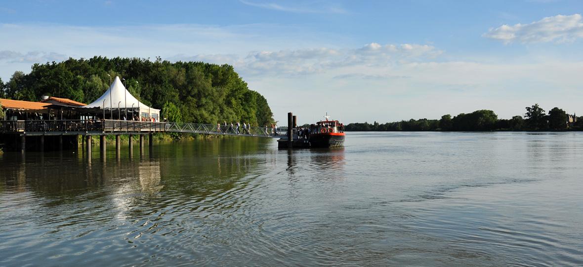 coffret cadeau restaurant la maison du fleuve en bateau