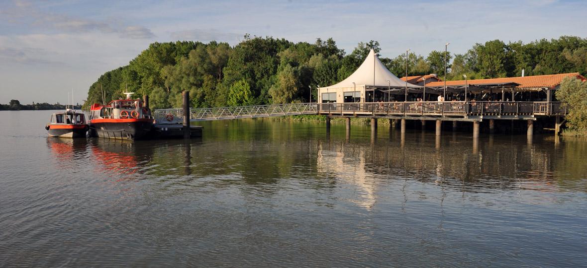 croisiere avec escale dîner à la maison du fleuve