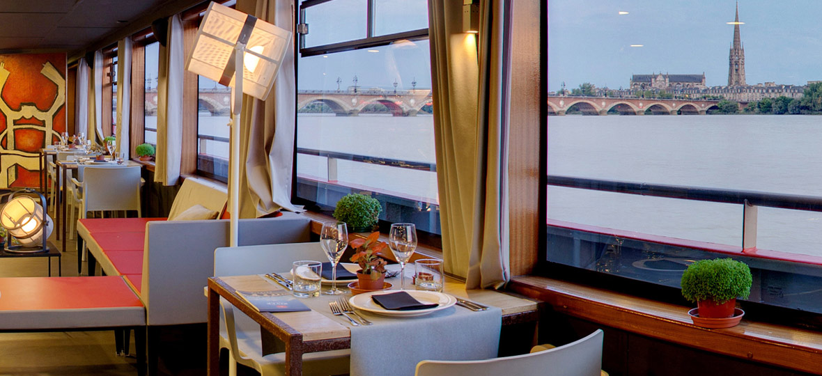 Coffret-cadeau diner romantique à bord du bateau restaurant SICAMBRE