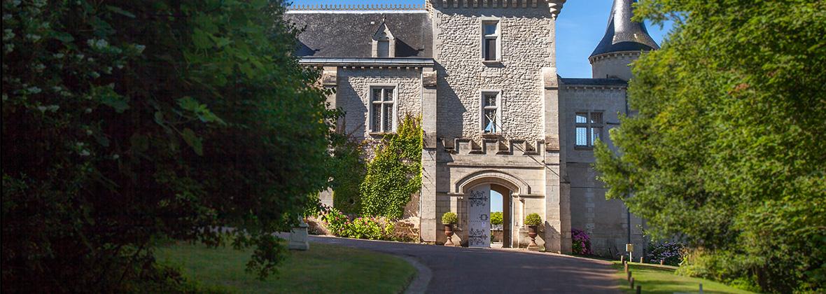 Entrée au Château de La Rivière