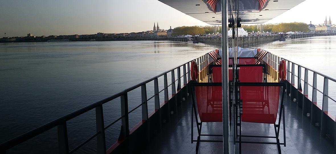 Dîner romantique sur le bateau de Bordeaux River Cruise